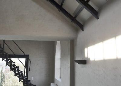 Jack-op lofts Werchter schuin plafond met trap